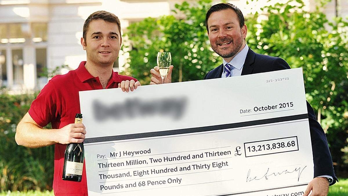 Джон Хейвуд выиграл больше 13 миллионов фунтов стерлингов