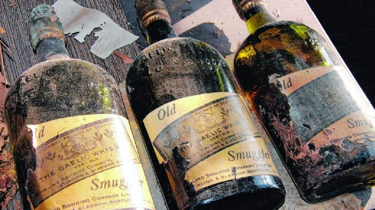 Дом из виски: пара нашла 66 бутылок с крепким алкоголем столетней давности