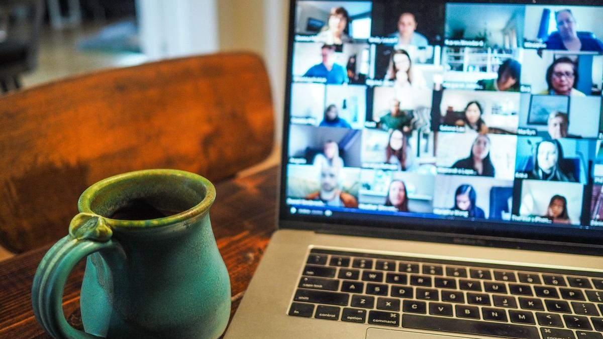 Подборка смешных Zoom-фейлов во время видео-конференций