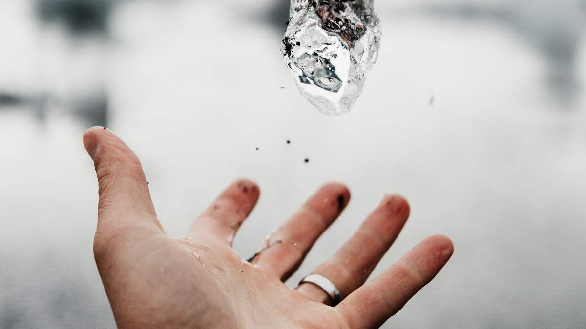 Індійський фермер знайшов діамант вагою 14,98 каратів на орендованій за 200 рупій ділянці