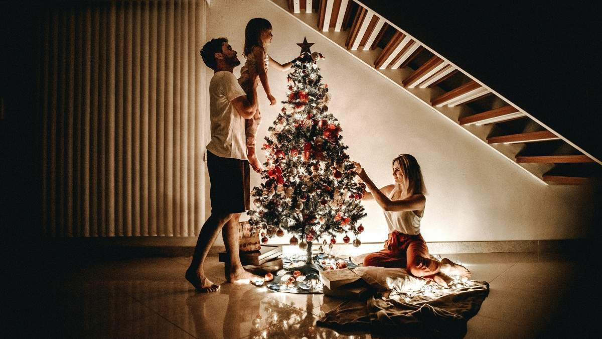 Какой год – такие и елки: новые тенденции украшения рождественского дерева