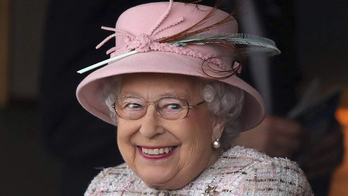 Хобі королеви Єлизавети II коштує мільйони фунтів: що вона колекціонує