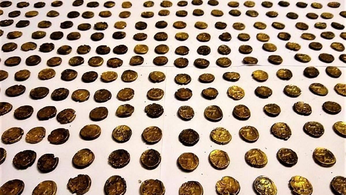 Мужчина нашел 1300 золотых кельтских монет