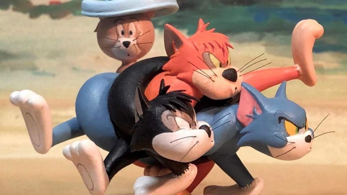 """Курьезные скульптуры по мотивам """"Том и Джерри"""""""