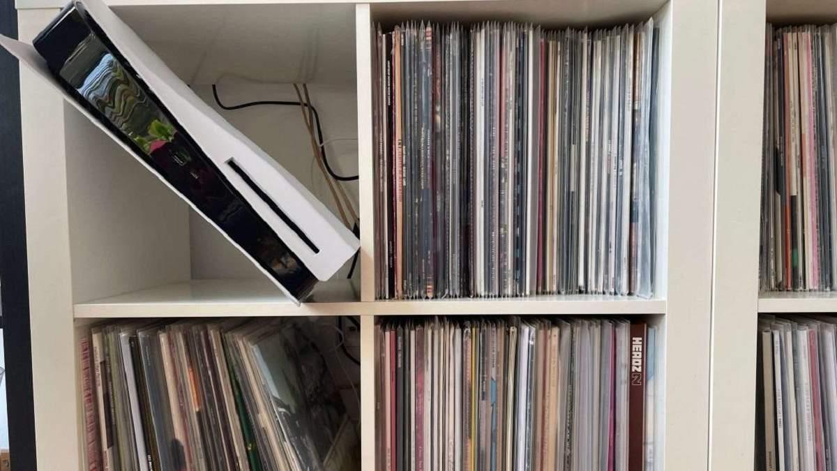 Куди поміститься моя консоль: IKEA створила картонні копії PS5 і Xbox Series X