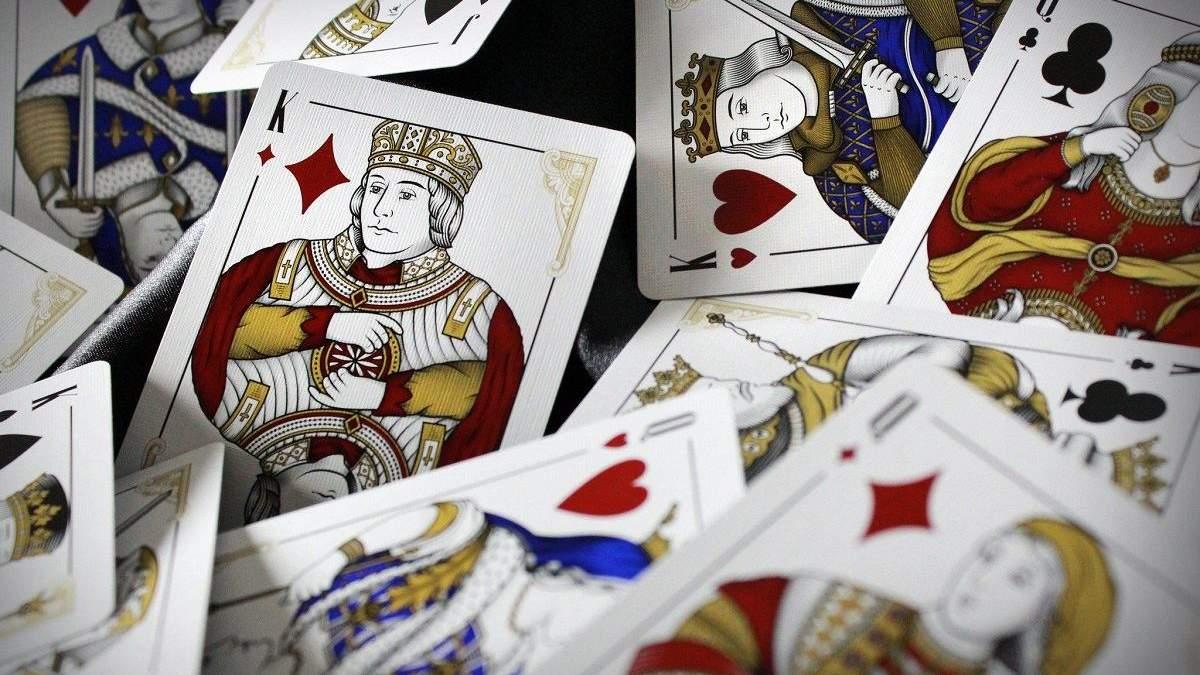 ТОП-10 найгарніших колод гральних карт