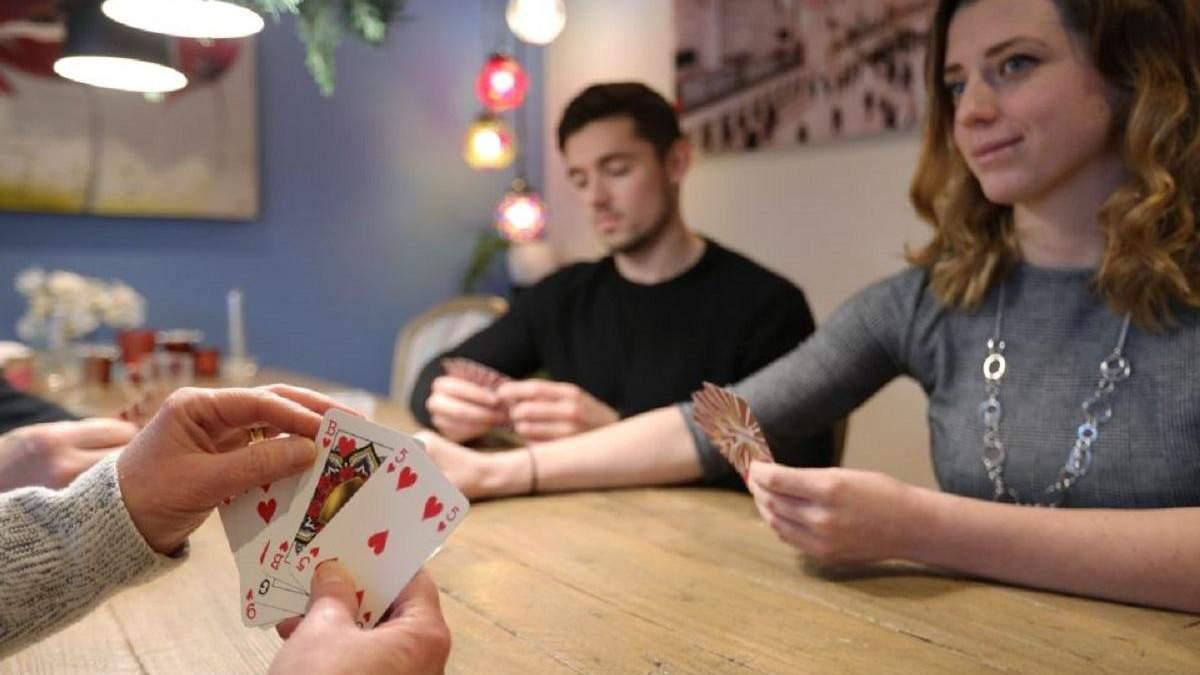 Нідерландка створила гендерно-нейтральну колоду гральних карт