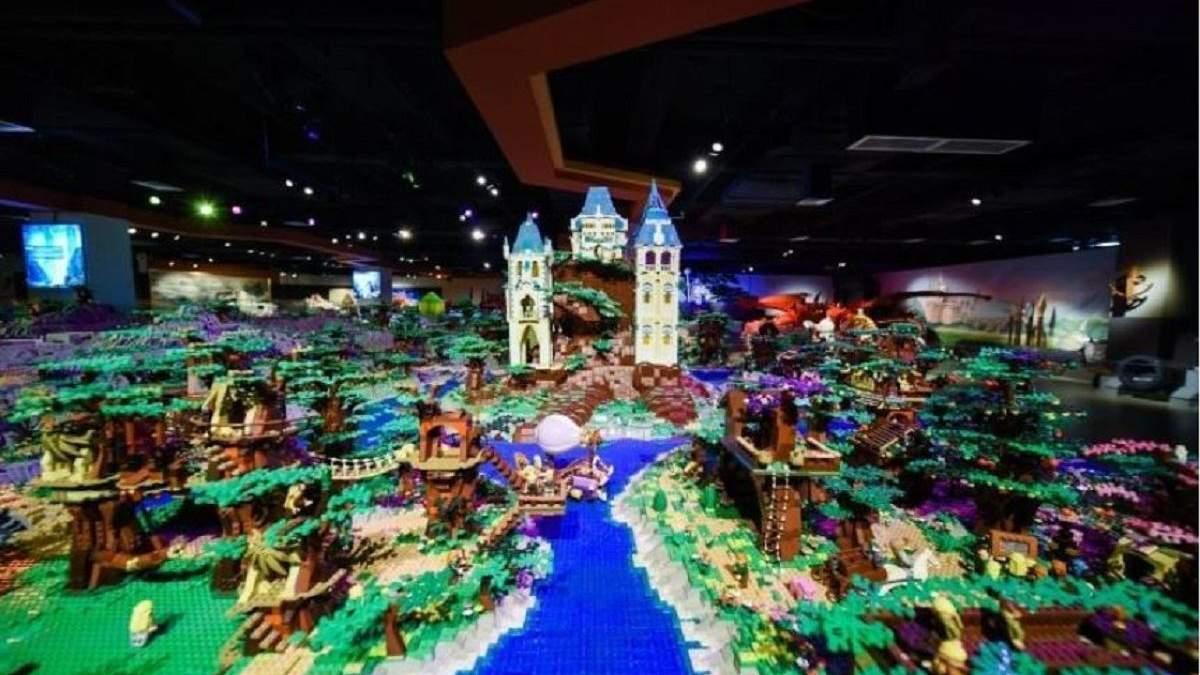 Вселенная Толкина в миниатюре: самая большая инсталляция из Lego установила мировой рекорд