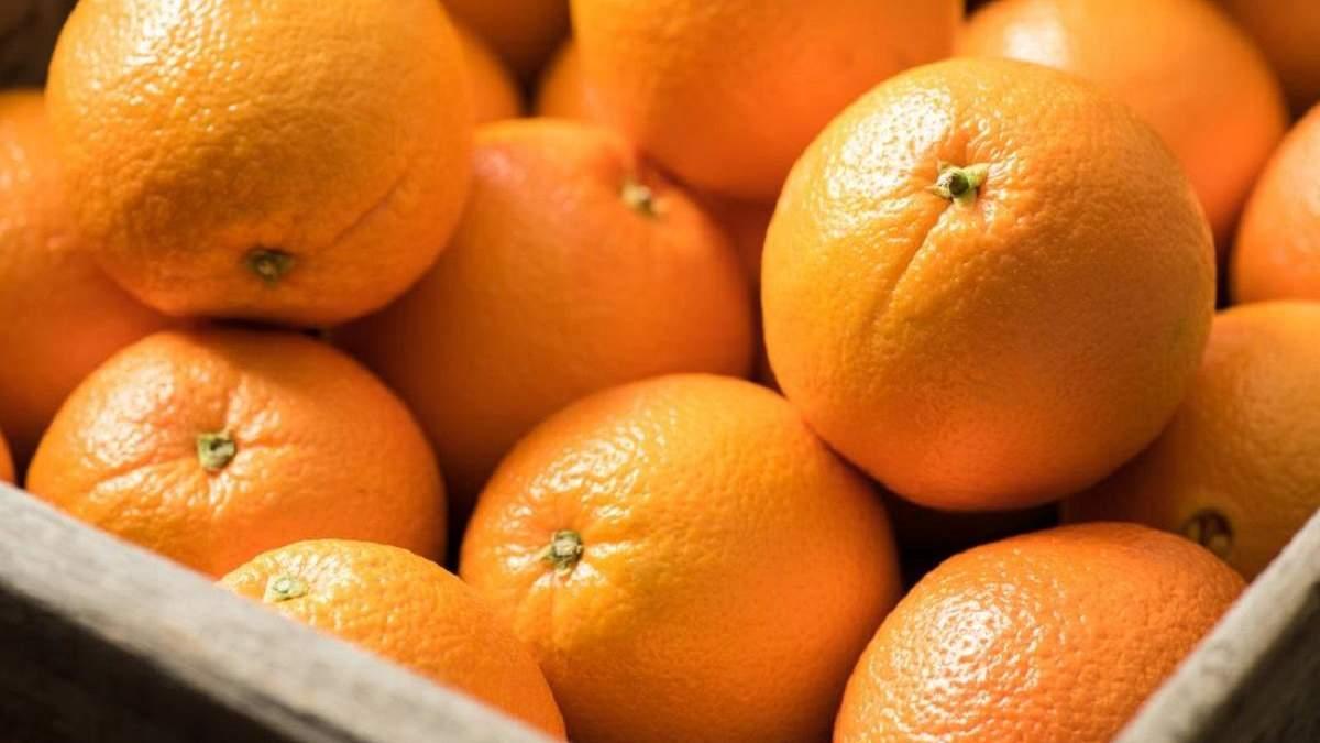 Мужчины сьели 30 килограммов апельсинов за 30 минут
