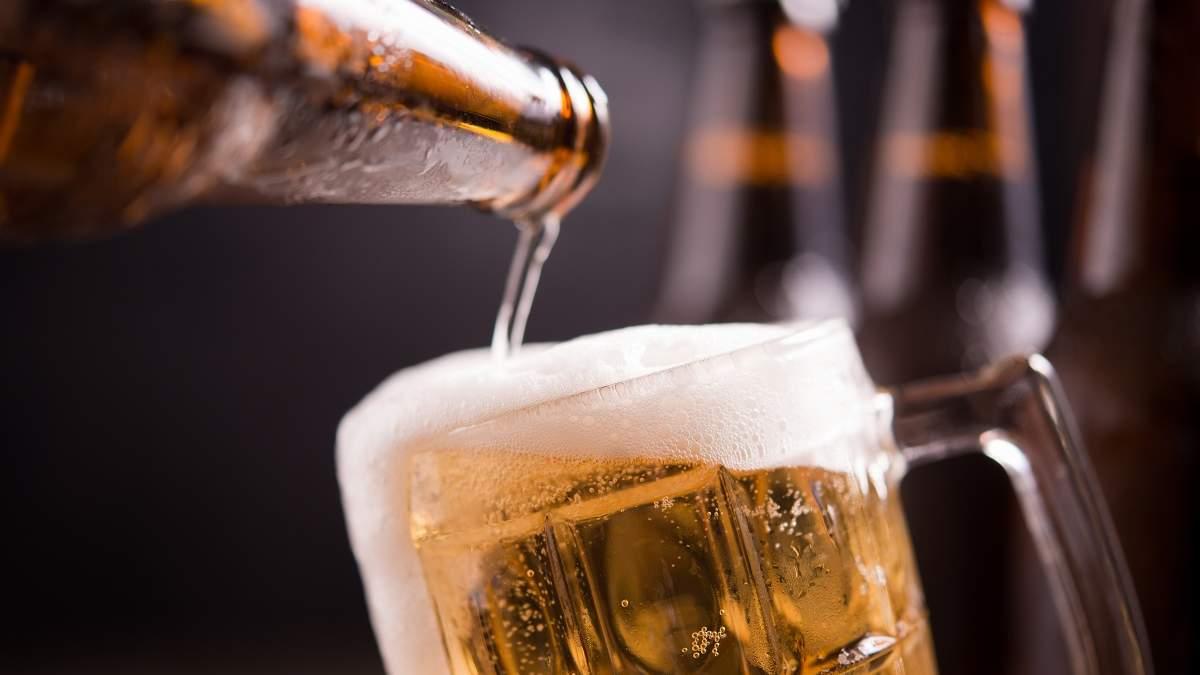 Британские пабы из-за пандемии вылили 50 миллионов литров пива: сколько они потеряли