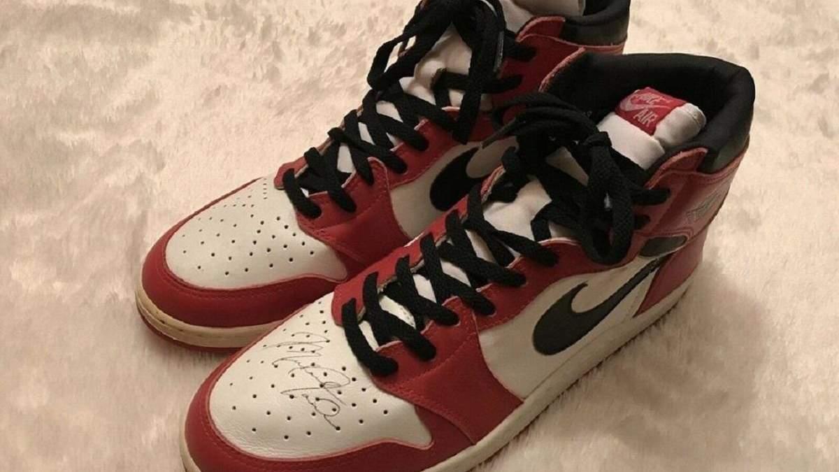 Кроссовки с автографом Майкла Джордана выставили на продажу по баснословной цене