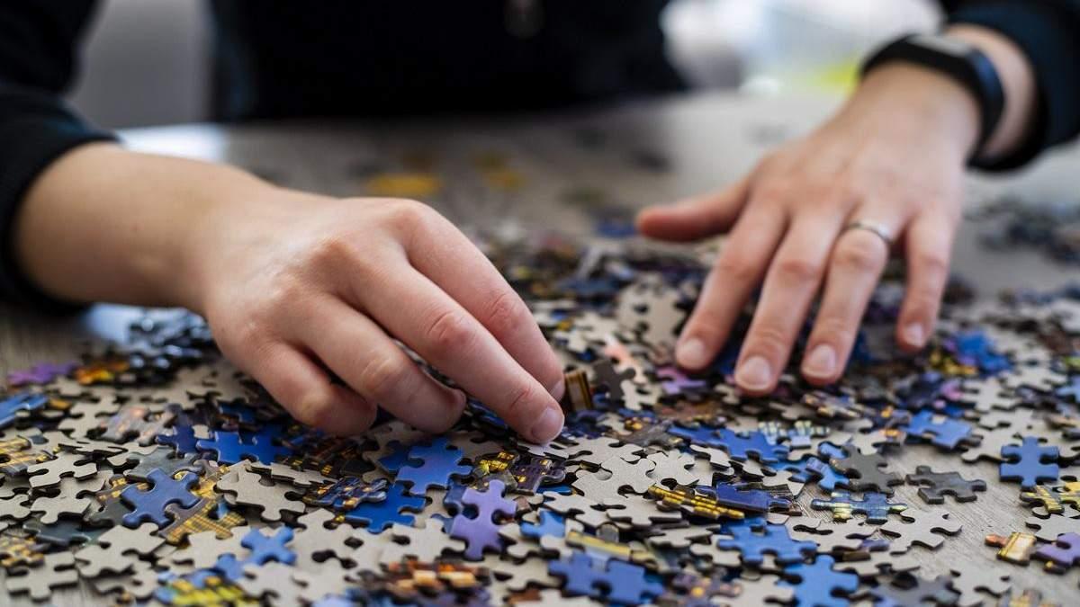 Дівчина склала пазл з 40 тисяч елементів