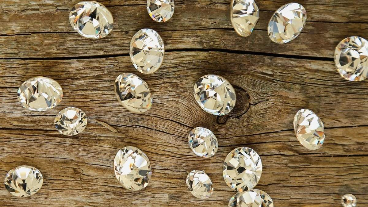 Мужчина потерял бриллианты в супермаркете