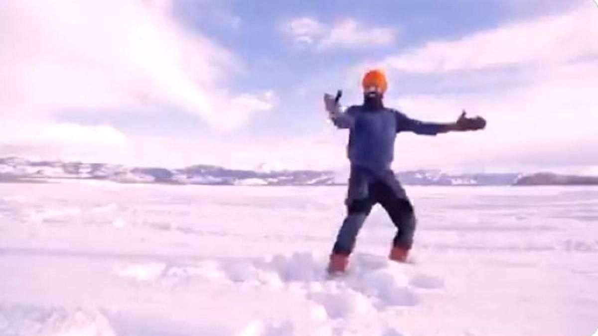 Танец канадца на замерзшем озере, который стал вирусным