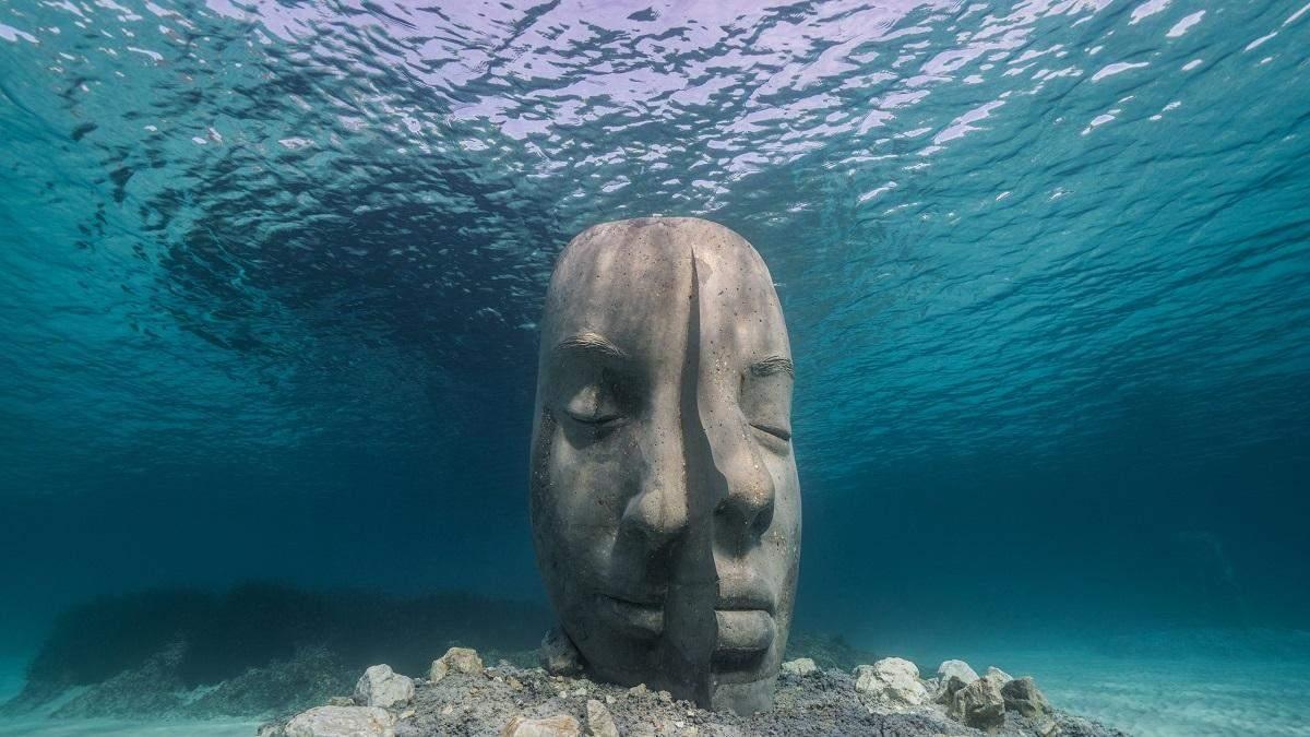 У берегов Франции открылся потрясающий подводный музей