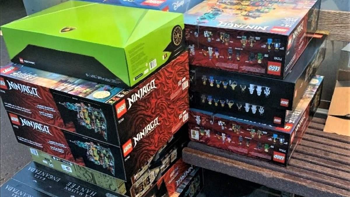 Чоловік вкрав 25 наборів Lego