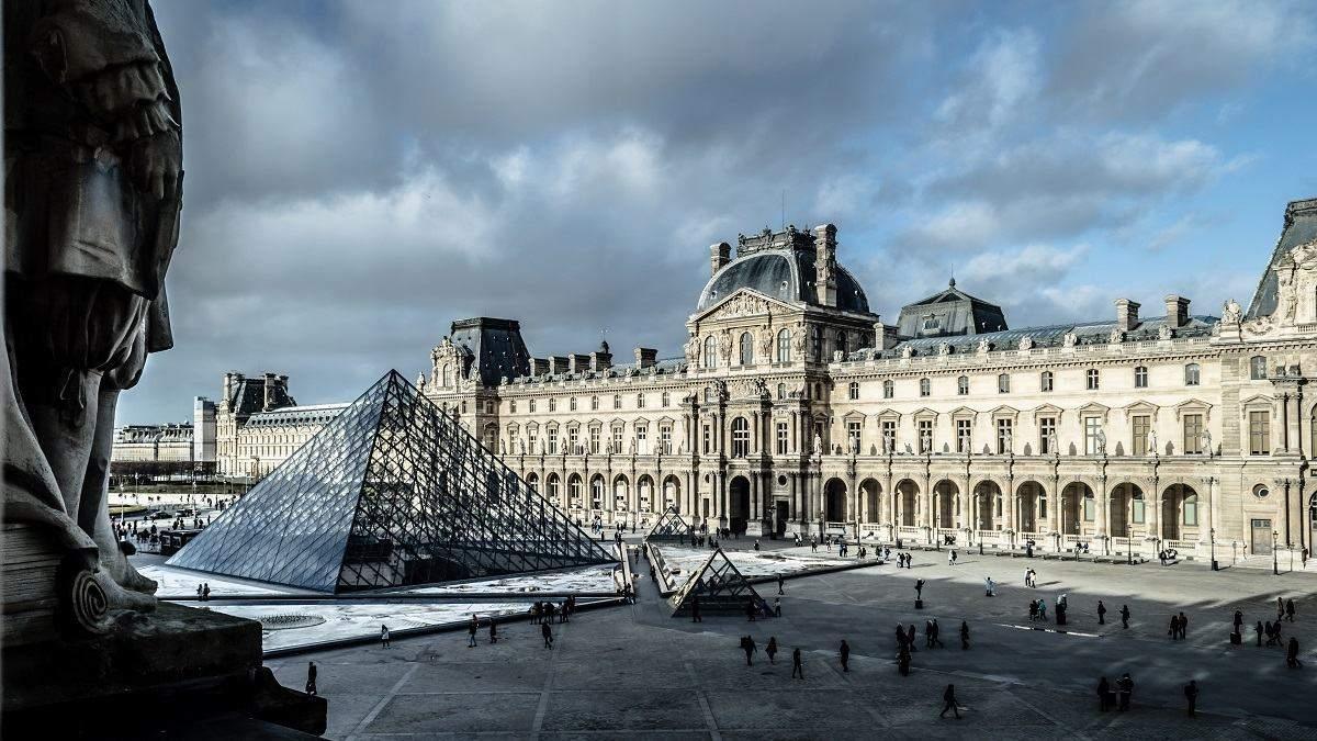 Лувр оцифрував понад 480 тисяч експонатів