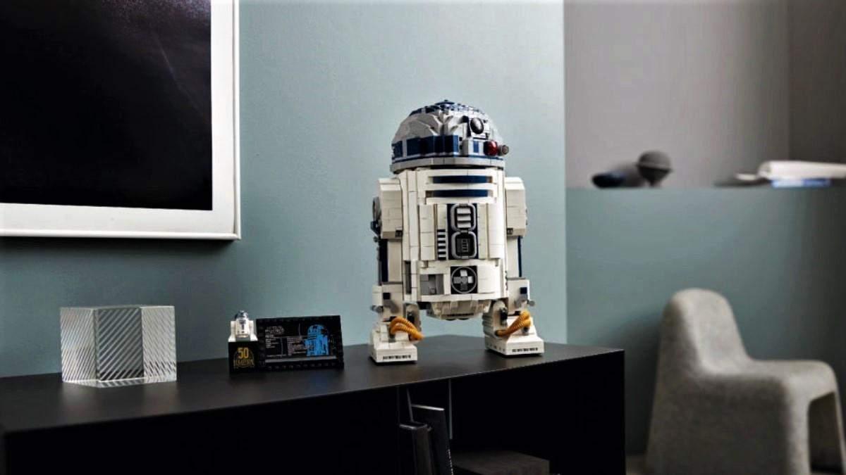 """Lego випустить великий конструктор робота R2-D2 із """"Зоряних воєн"""""""