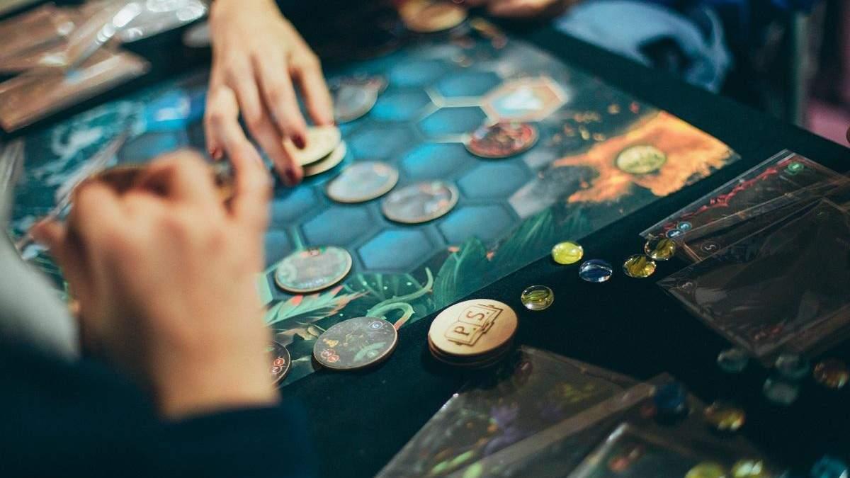 Святкуємо Міжнародний день настільних ігор: 10 фактів про культуру, яка підкорила весь світ