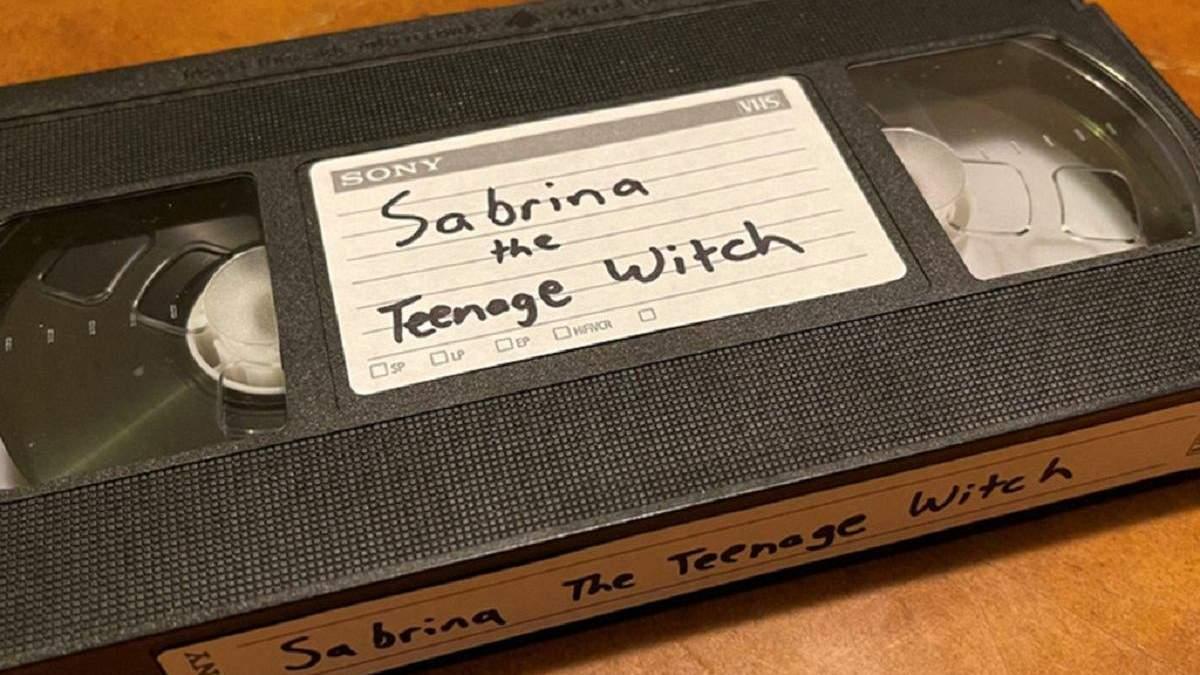 Жінку оголосили в розшук через відеокасету, яку взяли напрокат 21 рік тому