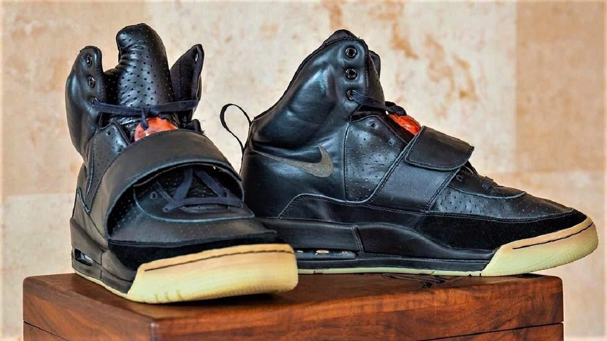 Самые дорогие в истории: кроссовки Канье Уэста продали на аукционе за 1,8 миллиона долларов