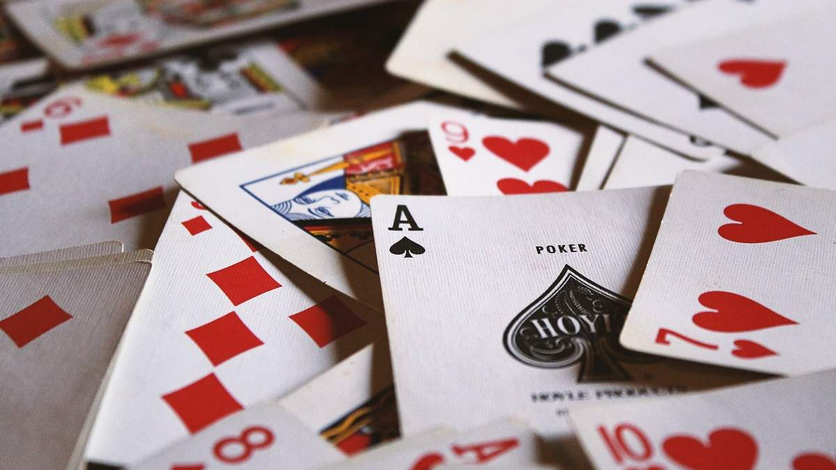 Как появились игральные карты: история, виды, интересные факты