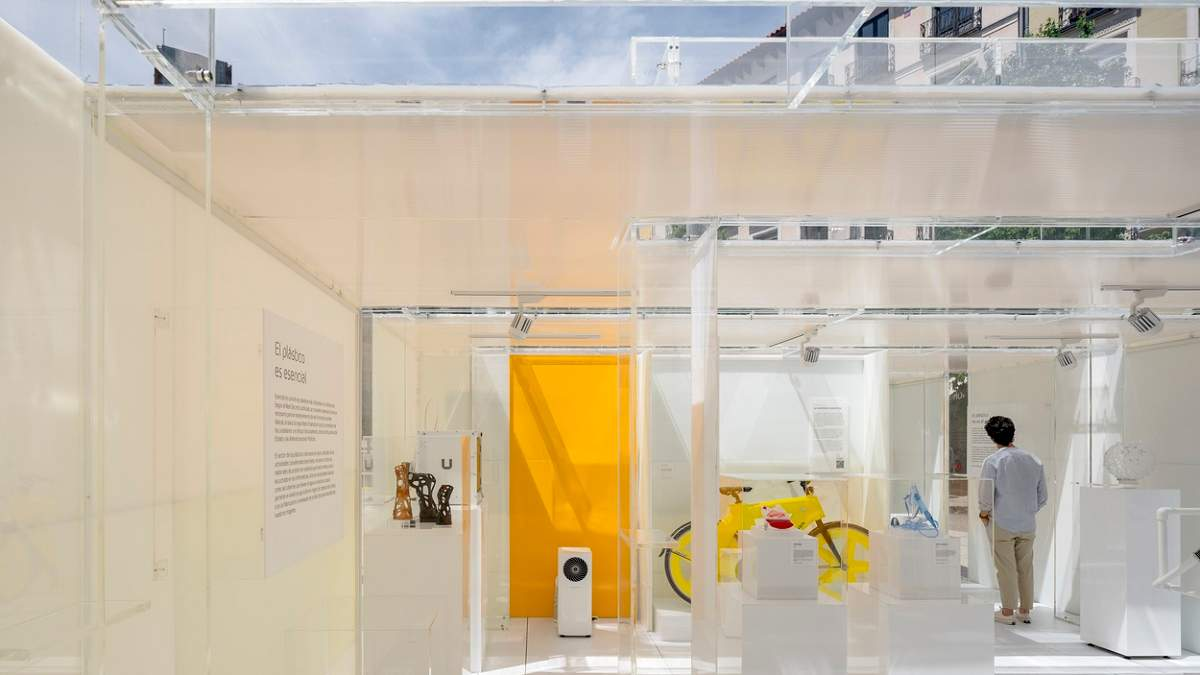 В Мадриде открыли музей пластика, который впоследствии отправили на переработку