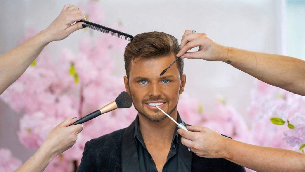 Чтобы быть похожим на куклу Кена: мужчина потратил 14 тысяч долларов на пластику лица