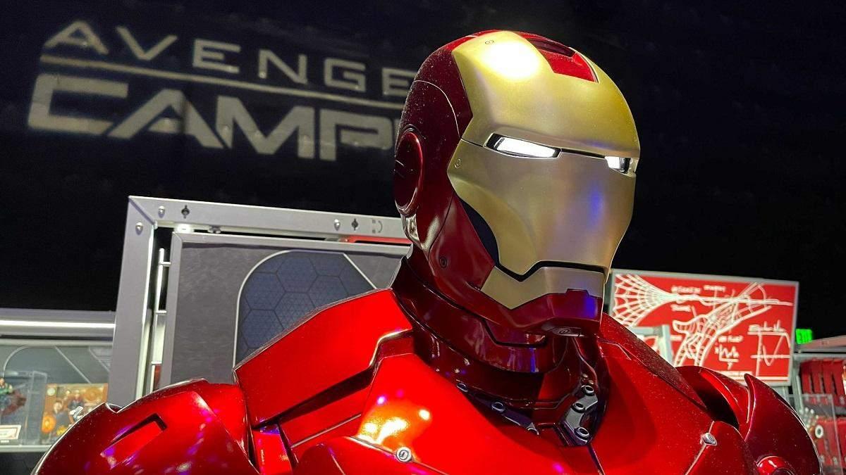 Для преданных поклонников Marvel: в Диснейленде продают полноразмерную статую Железного человека