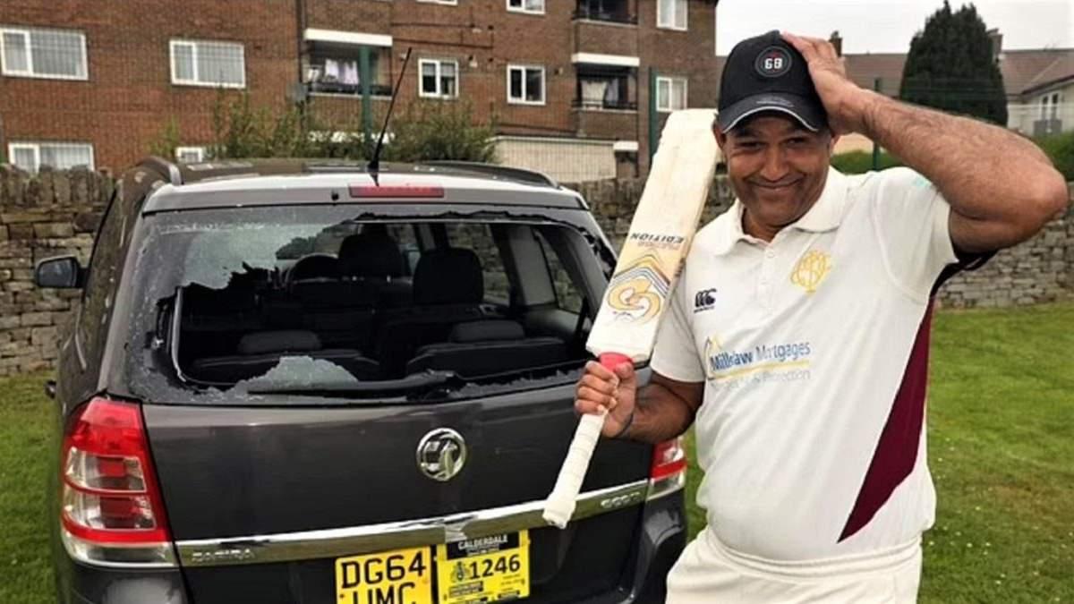 Асиф Али разбил окно своей машины во время матча