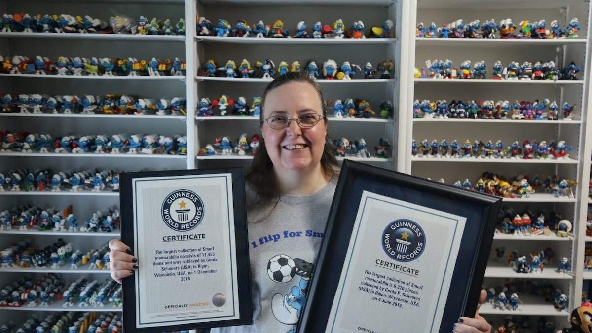 Женщина собрала самую большую в мире коллекцию Смурфиков