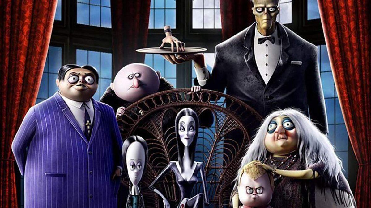"""Нові постери з персонажами """"Родини Адамсів 2"""" показали, що герої мультика робитимуть у відпустці"""