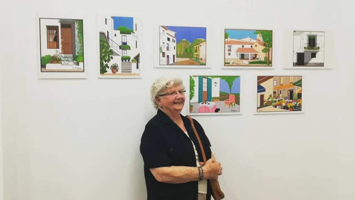 Бабушка рисует картины в Paint