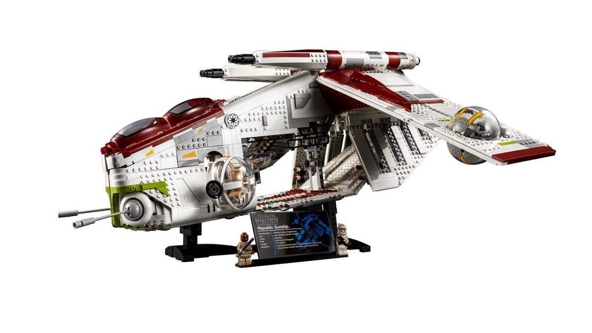 """LEGO выпустит набор грандиозного боевого корабля по """"Звездным войнам"""" из 3292 деталей: видео"""