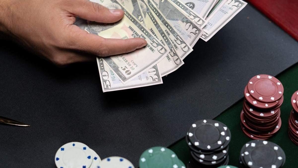 Фінансова грамотність для гемблерів: як правильно керувати грошима, граючи в казино