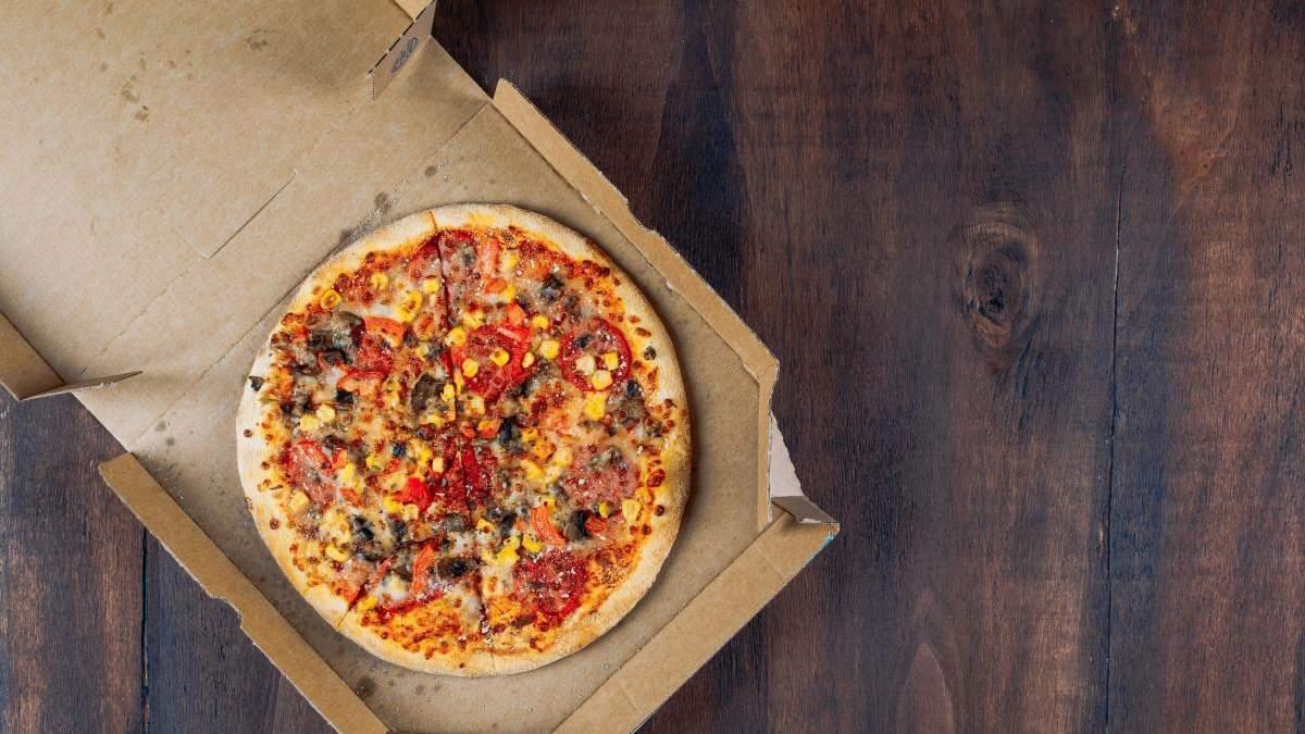 Кусок пиццы вместо чаевых