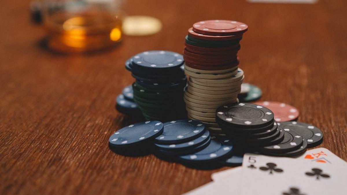 Валюта казино і традиційний символ: що потрібно знати про гральні фішки - Розваги
