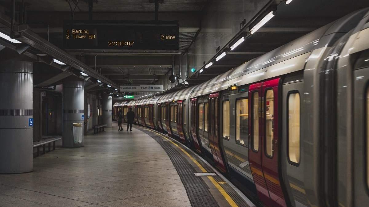 Как звучит метро во всем мире: мужчина публикует коллекции объявлений в подземках разных стран