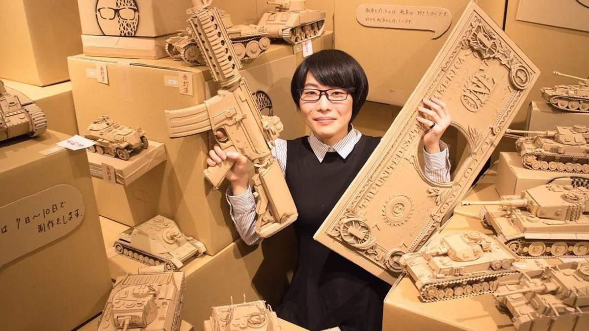 Японская художница делает из картона невероятно реалистичные скульптуры