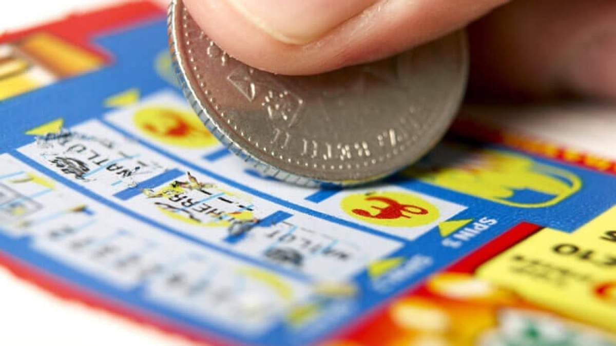 В Италии отчаянный похитил у женщины лотерейный билет в 500 000 евро и пытался сбежать на Канары