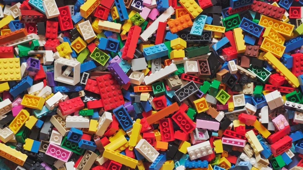 К чемпионату Европы-2022 в Мюнхене построят из LEGO пандусы для пешеходов с инвалидностью