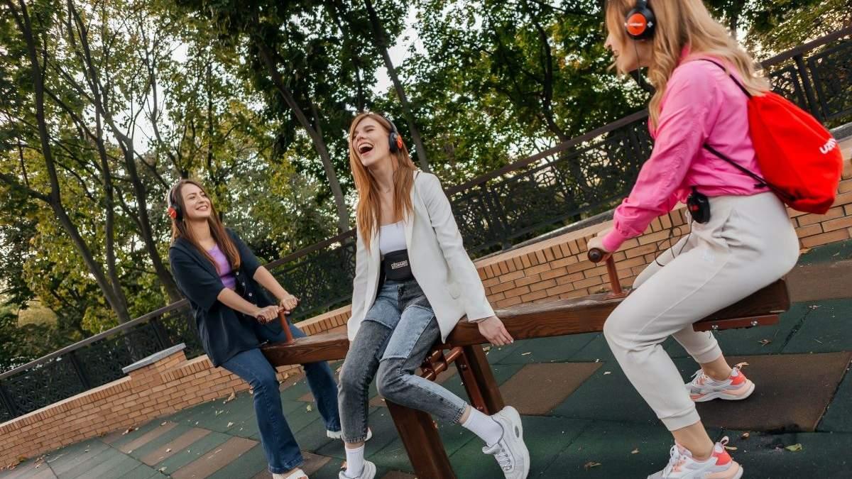 Повернутися у дитинство: у Києві покажуть імерсивну виставу на дитячому майданчику - Розваги
