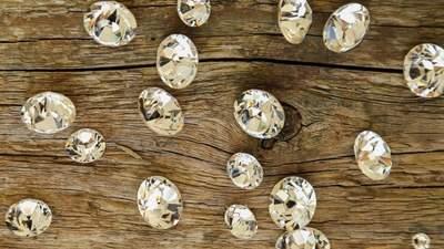 Адміністрація супермаркету розшукує чоловіка, який загубив діаманти: вони коштують 50 тисяч євро