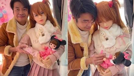 """У сім'ї китайця, одруженого з секс-лялькою, """"народилася"""" дитина"""