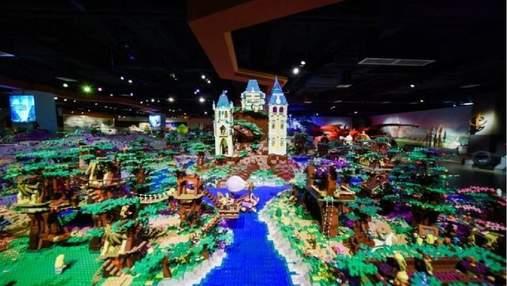Всесвіт Толкіна в мініатюрі: найбільша інсталяція з Lego встановила світовий рекорд – відео
