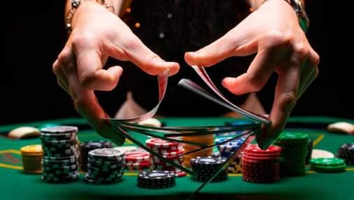 Как устроена работа дилера в казино